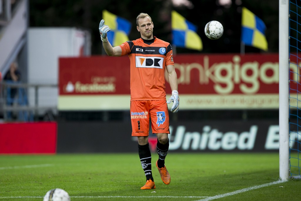 20150926 - BEVEREN-WAAS, BELGIUM: Gent's goalkeeper Matz Sels pictured during the Jupiler Pro League match between Waasland-Beveren and KAA Gent, in Beveren, Saturday 26 September 2015, on day 9 of the Belgian soccer championship. BELGA PHOTO KRISTOF VAN ACCOM