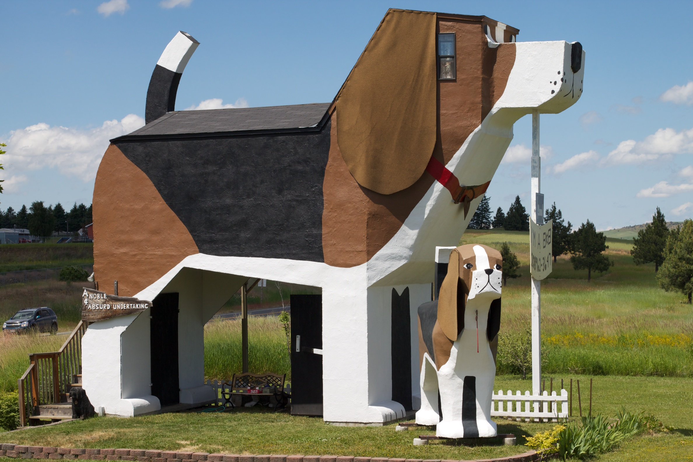 Dog Bark Park, Cottonwood, Idaho http://www.dogbarkparkinn.com/