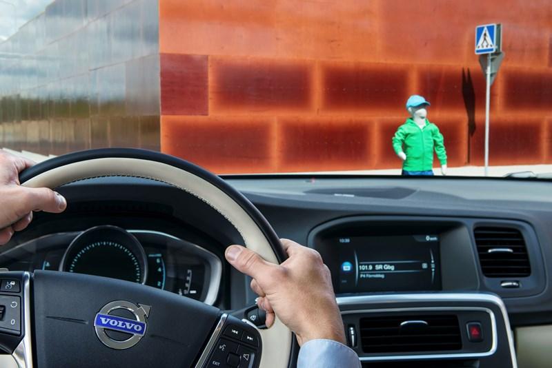 Internet in de auto kan ook zonder behulp van mobiele telefoons.