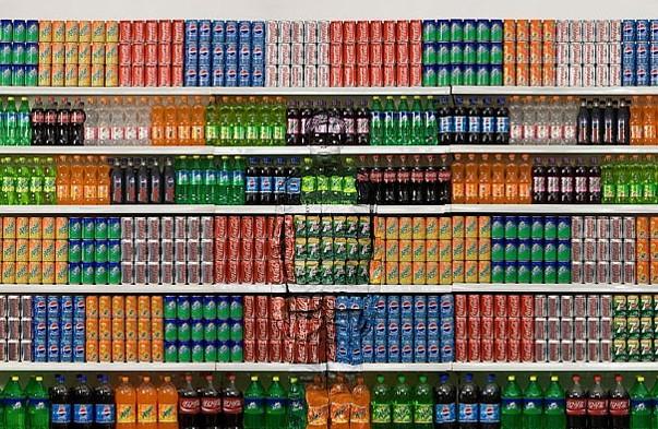 invisible-man-liu-bolin-supermarket