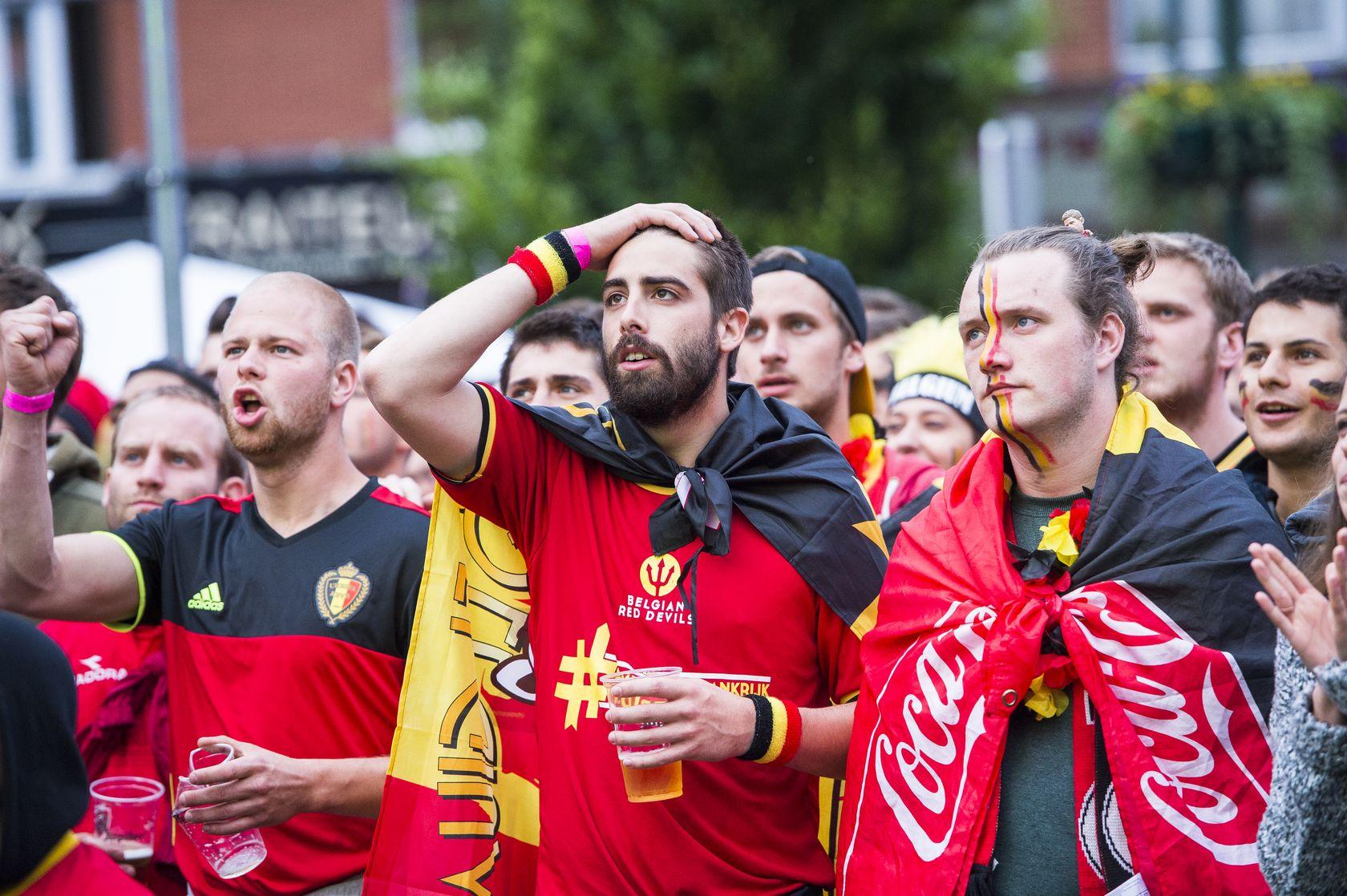SOCCER EURO 2016 BELGIUM VS ITALY BIG SCREEN