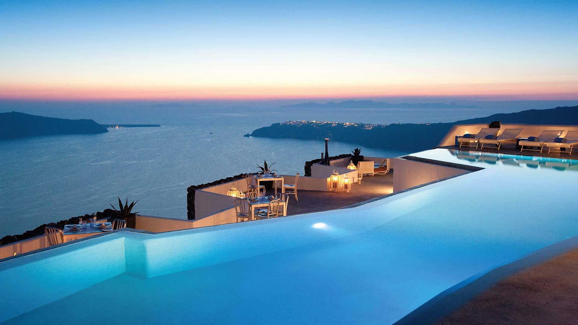 Grace-Santorini-infinity-pool-caldera-view-1