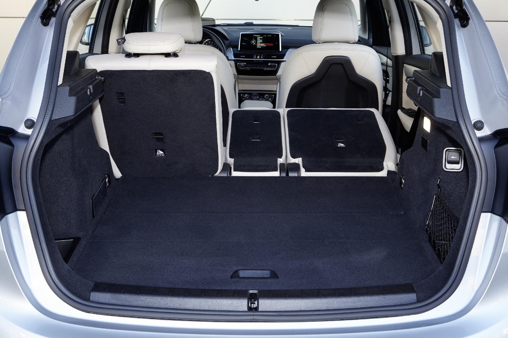 Het koffervolume varieert van 400 tot 1.350 liter.