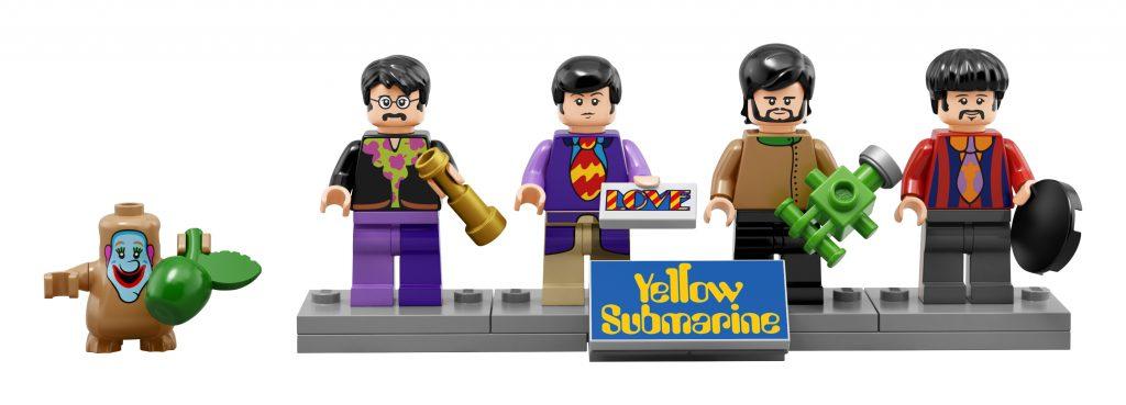John, Paul, George, en Ringo (met zijn 'half a hole'!).