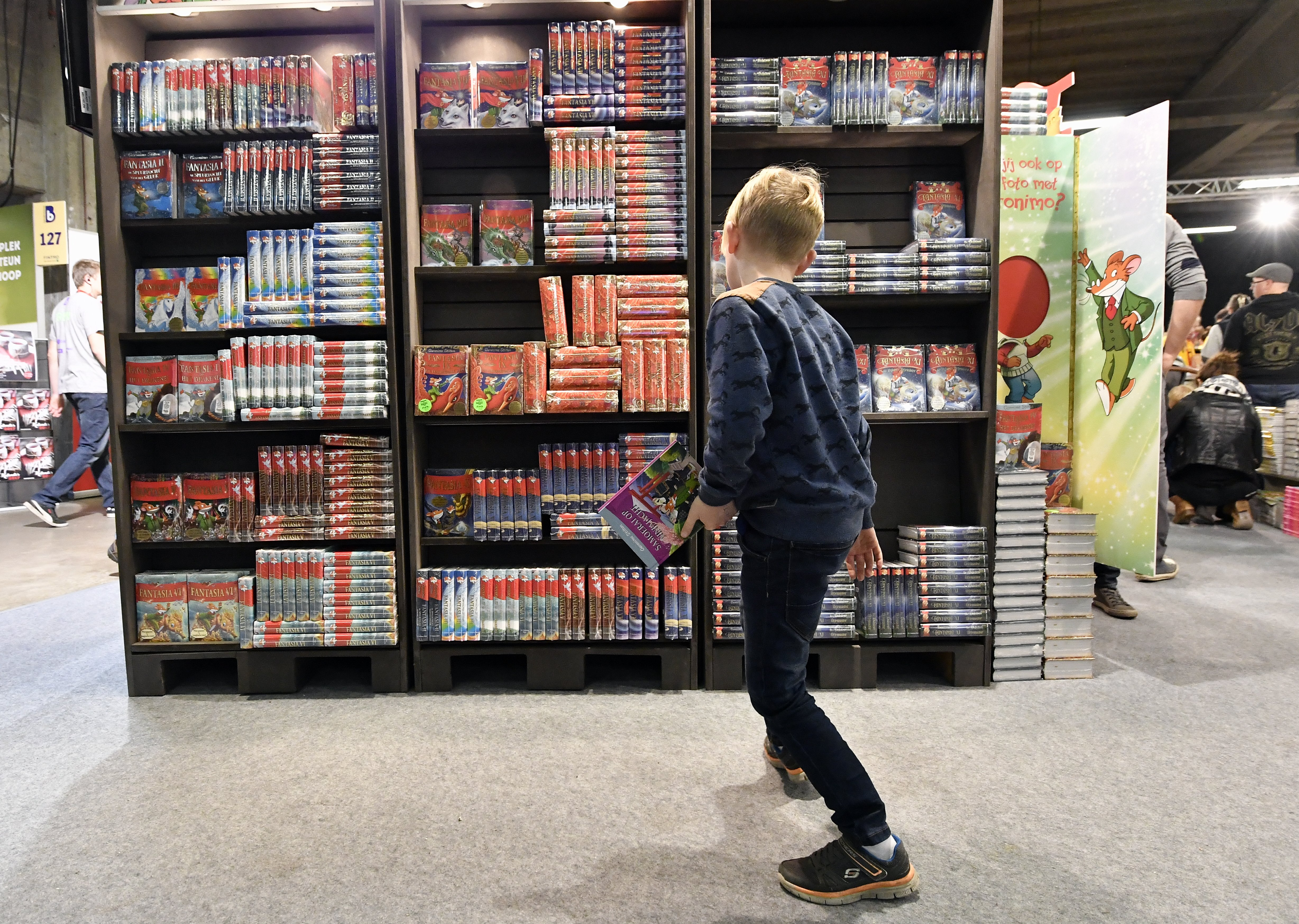Illustration picture shows the 'Boekenbeurs 2016' book fair in Antwerp, Monday 31 October 2016. The 80th edition of the yearly event runs from 31 October 2016 until 11 November 2016. BELGA PHOTO ERIC LALMAND