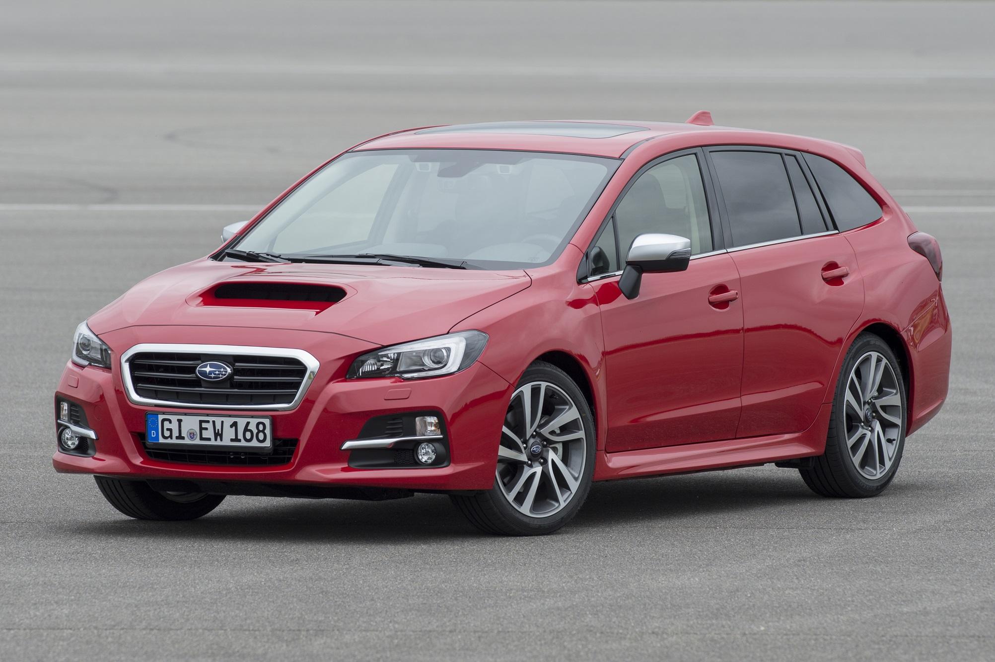 Met een forse luchthapper op de motorkap oogt de Subaru Levorg best sportief.