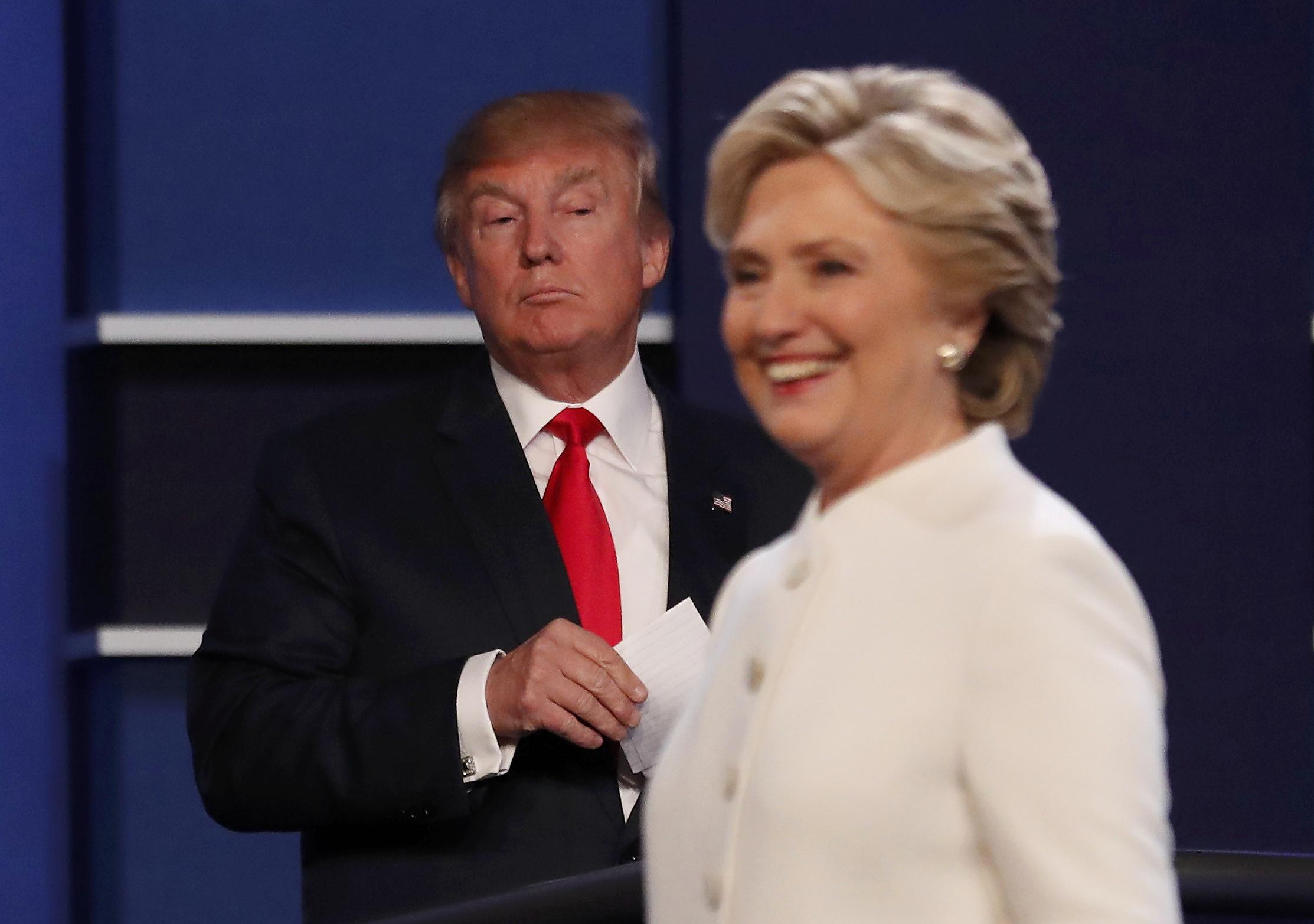 Dinsdag 8 november is het eindelijk zo ver. Tientallen miljoenen Amerikanen trekken naar de stembus en beslissen wie de machtigste persoon ter wereld wordt. (foto reuters)