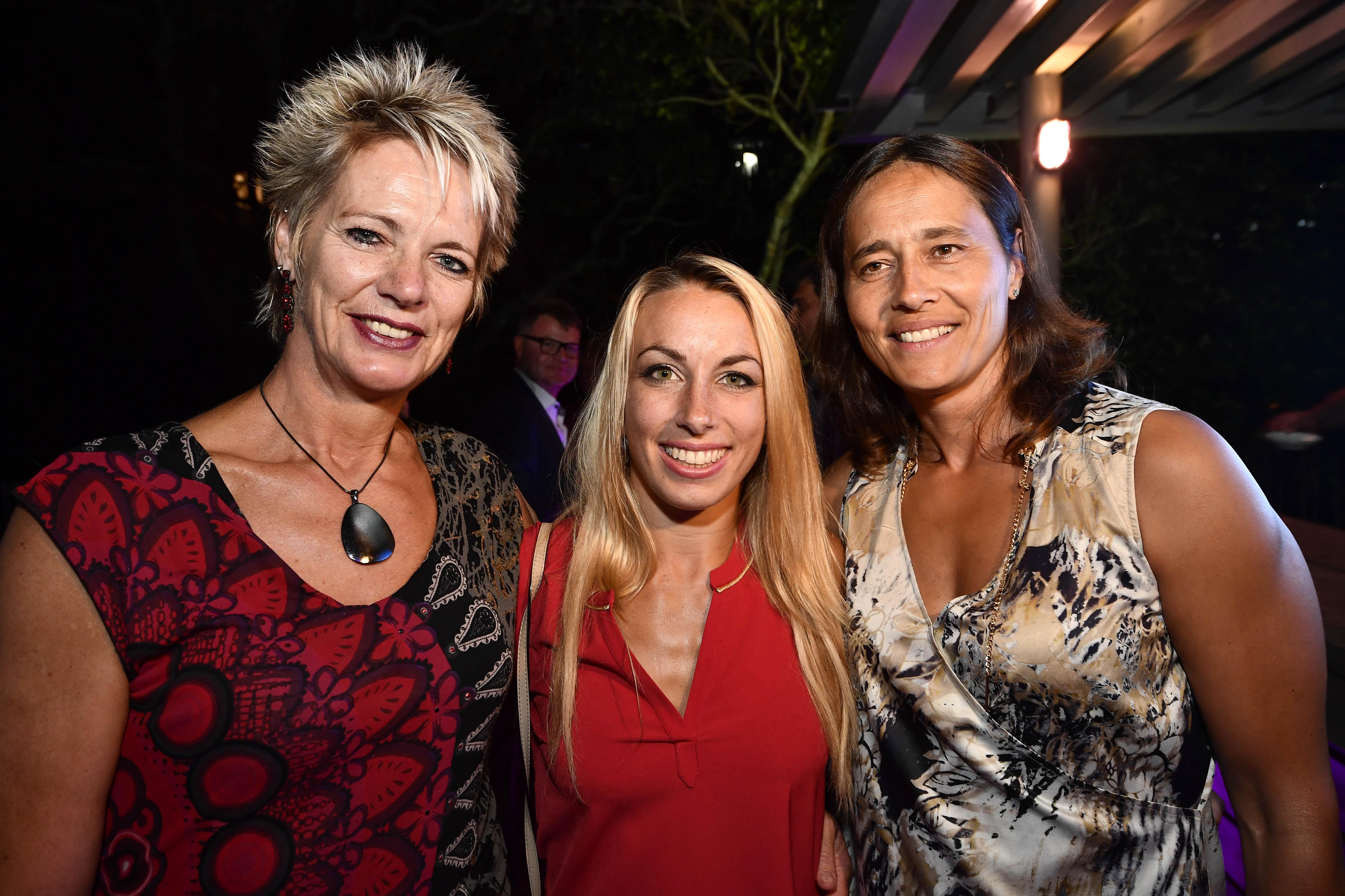Ingrid Berghmans (l) naast twee andere Belgische judo-iconen: Charline Van Snick and en Ulla Werbrouck. (foto belga)