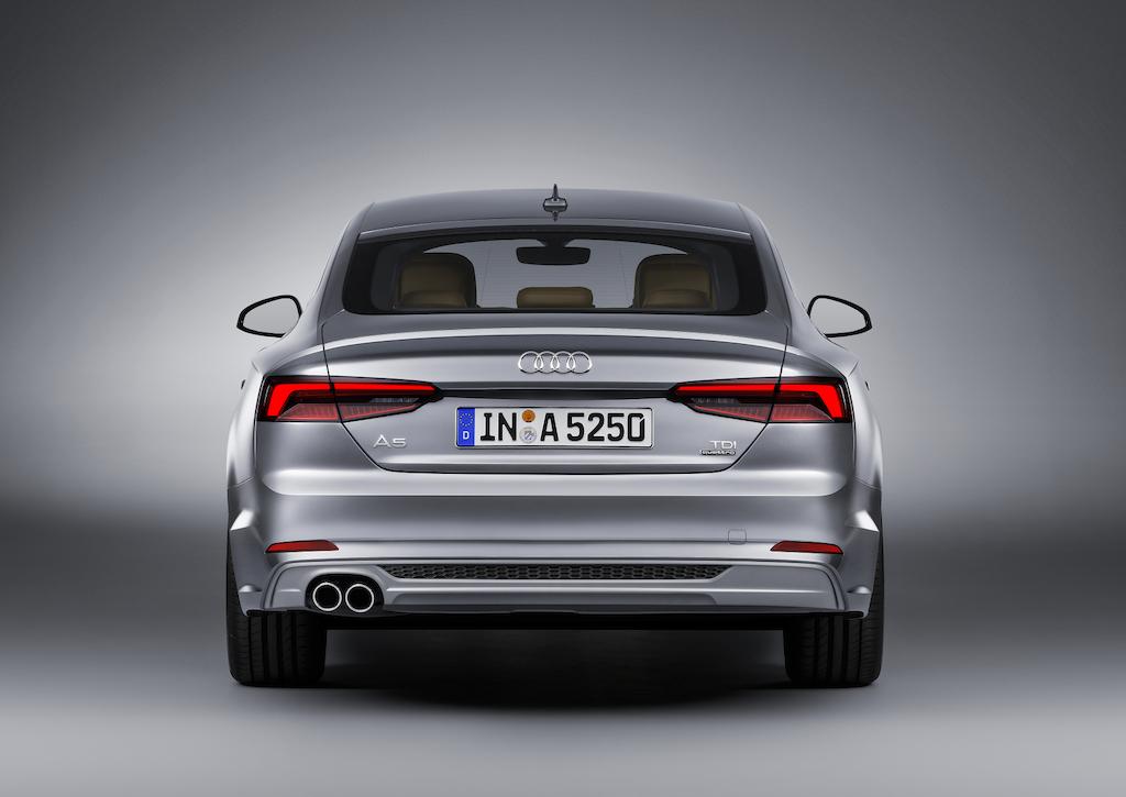 audi-a5-sportback-2017-ext-2-rear