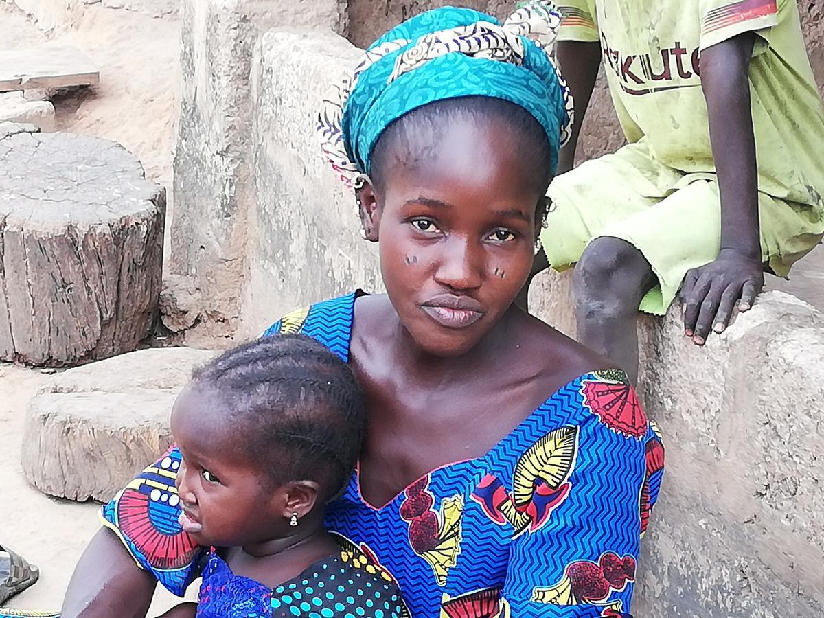 In de compound kunnen we zien hoe Gambiaanse gezinnen leven.