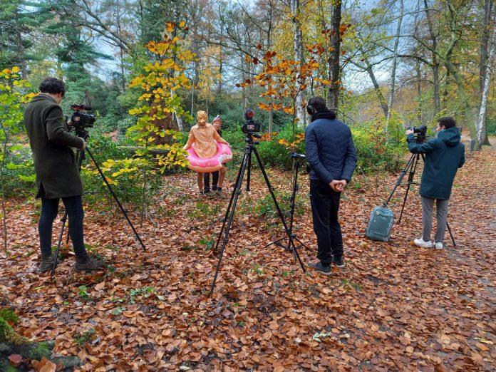 Op elke locatie worden opnames gemaakt, zoals hier op de Withoefse Heide. (foto Omgeving Vlaanderen)