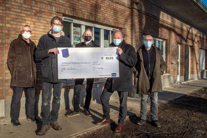 Alleen blije mensen bij Villa Voortman, van links naar rechts: Roger De Croock, Wim Haeck, Dirk Bryssinck, Pascal Kerkhove en Dirk Pauwels. (foto Christophe De Muynck)