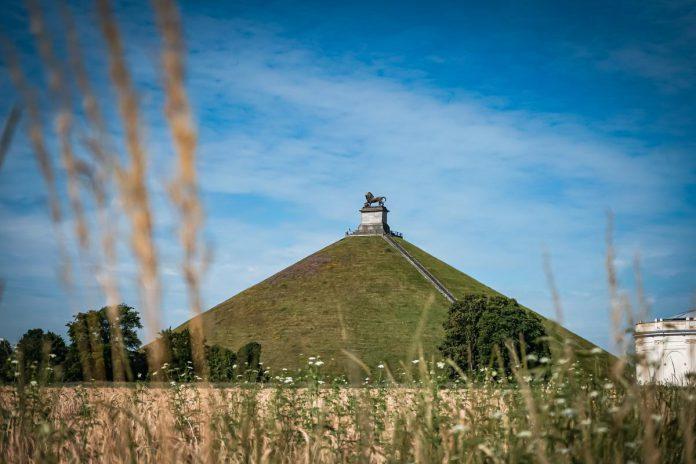 De Leeuw van Waterloo beklimmen vergt wel wat inspanning, maar je wordt beloond met een prachtig uitzicht. Ook het vernieuwde museum is meer dan een aanrader. (foto MTBW)