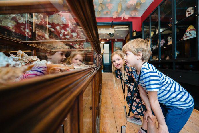 In het Ensormuseum krijg je een indringende blik in het leven en werk van de veelbesproken artiest. (foto Nick Decombel voor Visit Oostende)