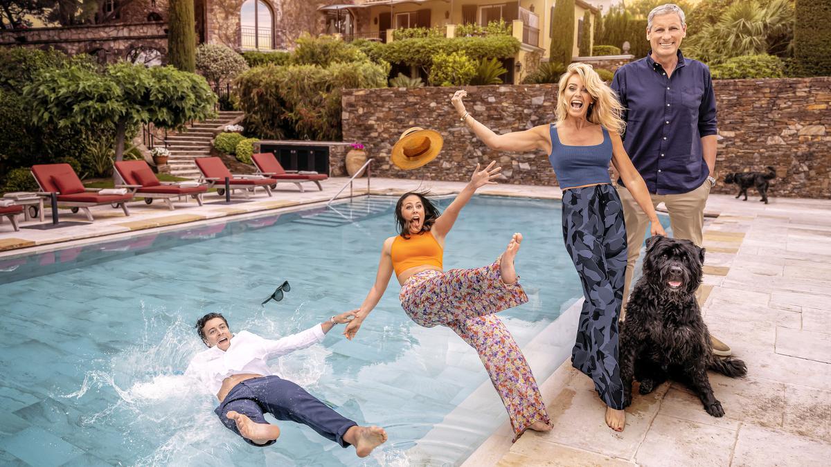 De Verhulstjes zijn terug. In het tweede seizoen van deze kijkcijferhit wordt de familie gevolgd tijdens hun vakantie in Saint-Tropez. (foto Play4)