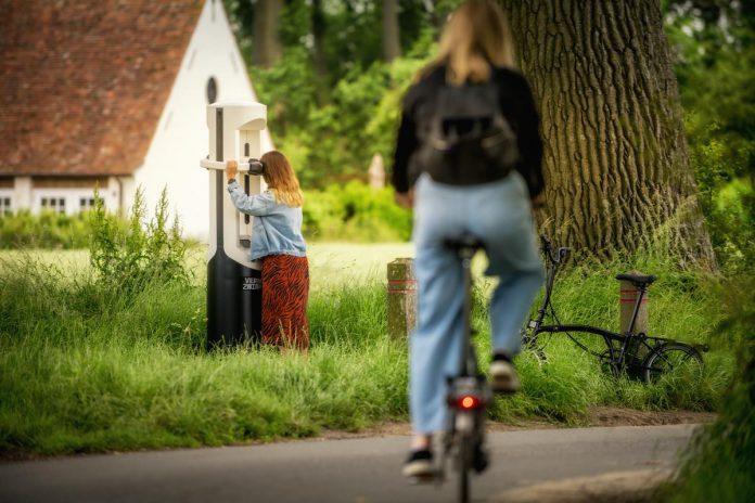 De fietsroute van 60 km combineert het beste van twee werelden: de stad Brugge als historische parel, met de prachtige natuur van het Zwin Natuur Park. En de VR-kijkers zorgen voor een duidelijke meerwaarde. (foto's Jan Dhartet)